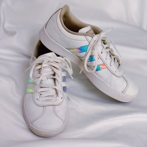 girls size 3.5 Adidas sneakers